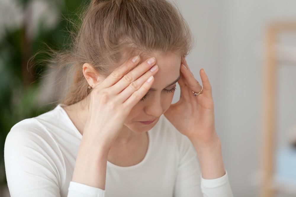 Eksamenspres-angst-kvinde-frygter-klappen-går-ned